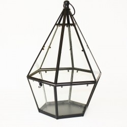Lantern with six edges