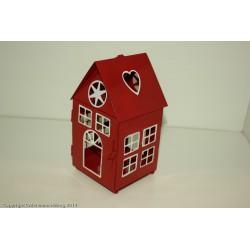 Lykta i form av ett hus